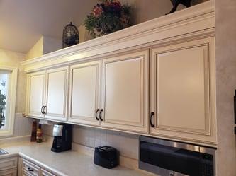 Crown Molding: Add a Custom Kitchen Look (Video)
